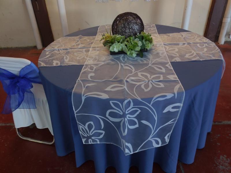 Mesas sillas manteles lonas industriales y comerciales s a - Manteles y caminos de mesa ...